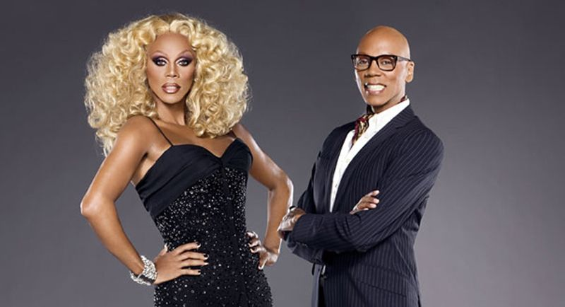 rupaul en drag queen et en costume